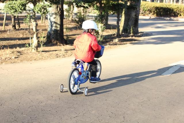 補助輪付き自転車